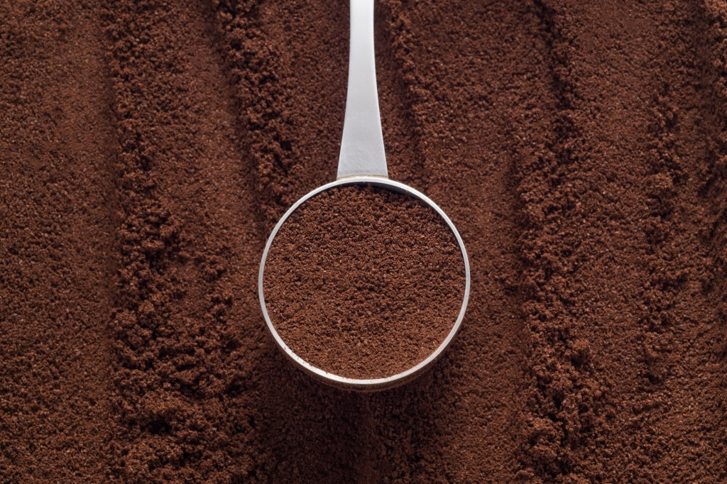 Use Coffee Grounds To Attract Earthworms