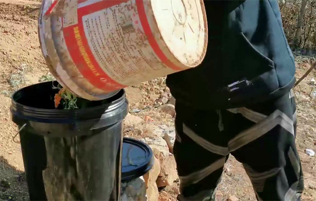 throw compost in